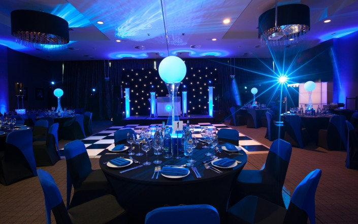 LED sphere table centres